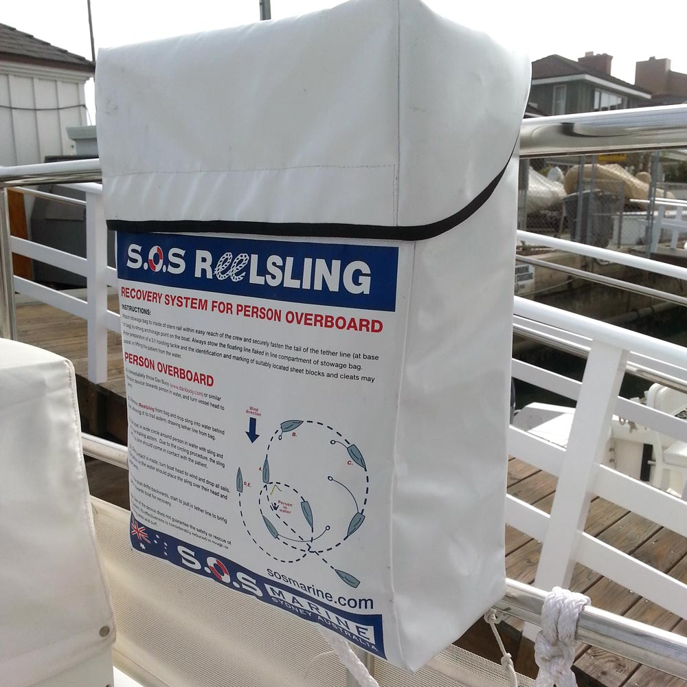 Reelsling mounted on motoryacht stern railing